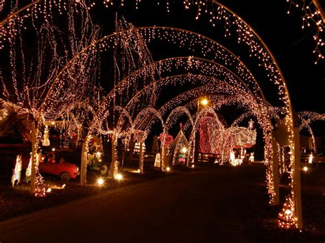 10 amazingly decorated christmas houses in north carolina