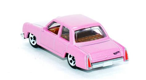 Wheels The Simpsons Homer Family Car Pink Sedan 2017 Hw Miniature wheels the simpsons family car cars