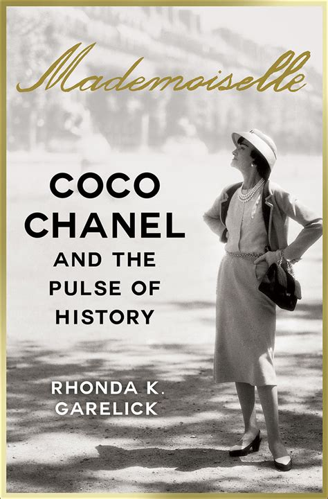 Coco Chanel Biography Reviews | garelick s coco chanel biography garners good reviews