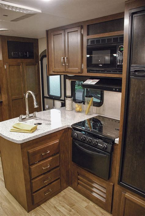 Rv Kitchen Cabinets by 2017 Sporttrek Touring Edition Stt343vbh Travel Trailer
