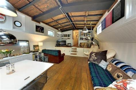 house boats to buy london highbridge road 3 bedroom house boat for sale ig11