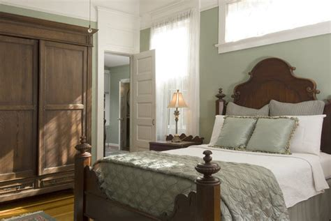 southern comfort bed and breakfast 301 moved permanently
