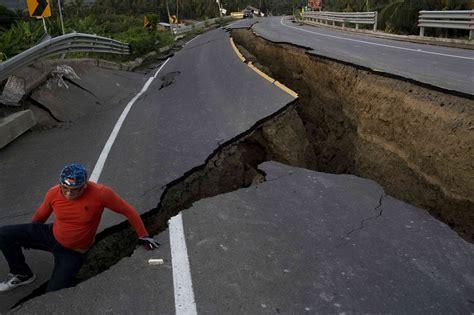 imagenes sorprendentes del terremoto en ecuador en im 193 genes terremoto de 7 8 abri 243 la tierra en pueblo