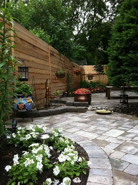 landscaping small backyards townhouse 1000 narrow backyard ideas on pinterest townhouse