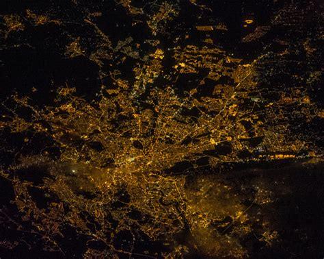 imagenes extrañas vistas desde el espacio fotos la tierra de noche vista desde el espacio roma