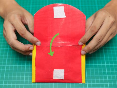 How Do You Make A Wallet Out Of Paper - how to make a duct wallet easy method with pictures
