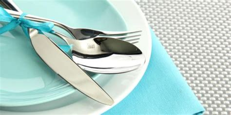 warna  berat alat makan ternyata pengaruhi rasa makanan