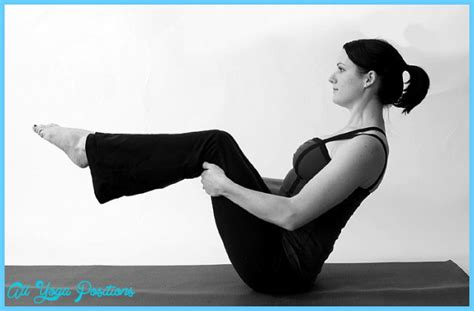boat pose in yoga half boat pose yoga allyogapositions