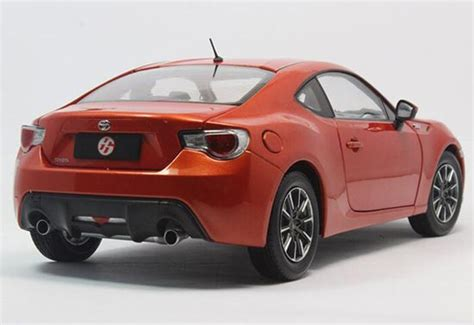Diecast Toyota 86 1 18 scale white diecast toyota gt 86 model nb1t301 ezbustoys