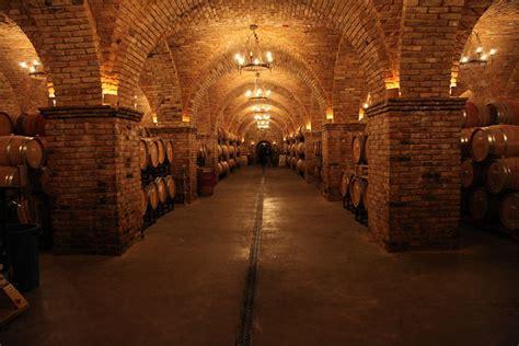 napa tasting rooms at these napa wine tasting rooms