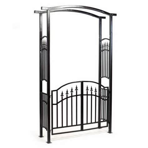 arco in legno per giardino arco da giardino con cancello in ferro
