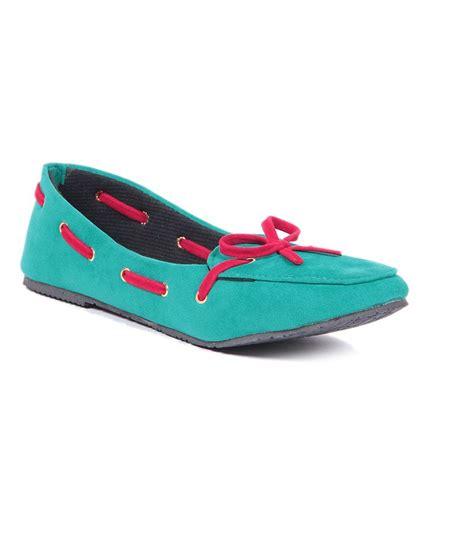 green flat shoes ten green flat shoes