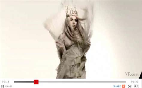Gaga Vanity Fair 2010 by Gaga S Nail On Vanity Fair September Cover