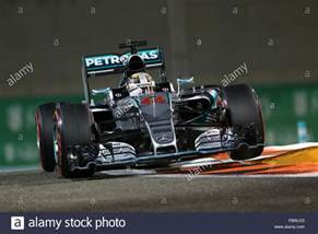 lewis hamilton mercedes amg petronas f1 team formula 1