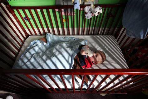 alimentazione bimbi 10 mesi cade dal lettino a 10 mesi bimbo gravissimo