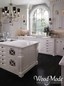 How To Refinish Oak Kitchen Cabinets Creamy White Cabinets Black Countertops Carrera
