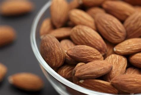 almonds before bed 10 best foods to eat before bed to lose weight and what