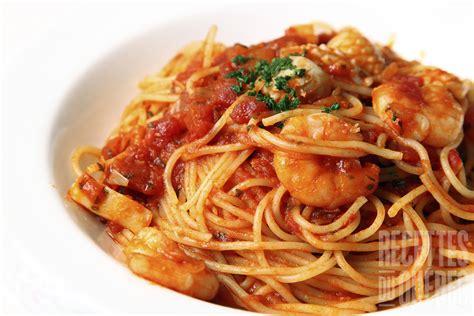 tomates cuisin馥s p 226 tes aux crevettes sauce tomate recettes du qu 233 bec