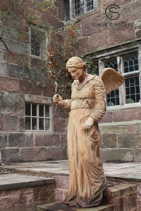 Patung Wisuda Kartun Pria pria ini sulap kayu menjadi karya seni keren ganlob ganlob