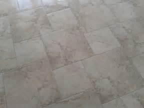 dan right tile