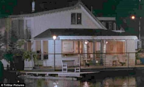 sleepless in seattle house couple who are still sleepless in seattle fans who bought houseboat used in romantic