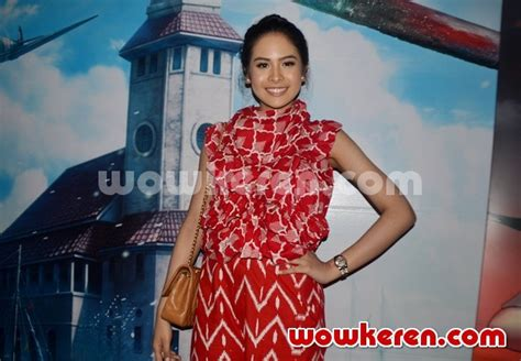 film posesif surabaya foto maudy ayunda hadiri press screening film battle of