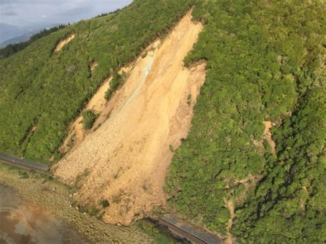 earthquake yesterday nz first news of landslides from the kaikoura earthquake