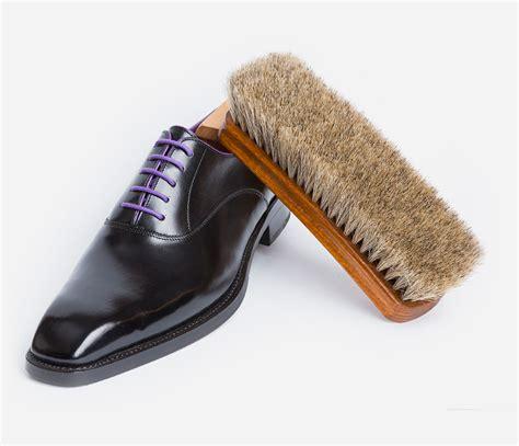 Schuhe Polieren Nylonstrumpf by Schuh Und Lederpflege Felix Strauss