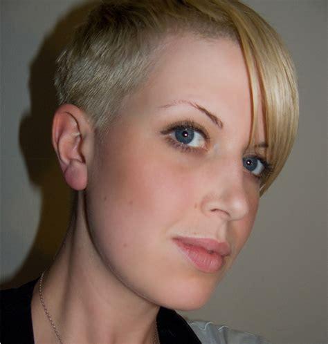short boyish women haircut   cool stylepng