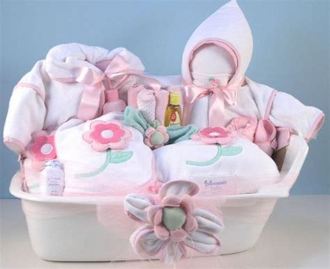 Gifts For A Baby Shower by Baby Shower Gift Ideas Easyday