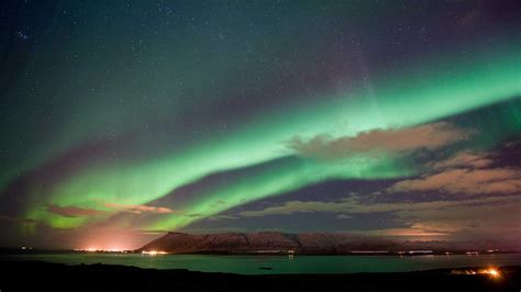 reykjavik iceland northern lights new year s celebrations 3 days 2 nights nordic visitor