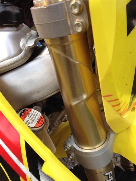 Motorrad Gabel Verbogen by Suzuki Forks Breaking Tech Help Race Shop Motocross