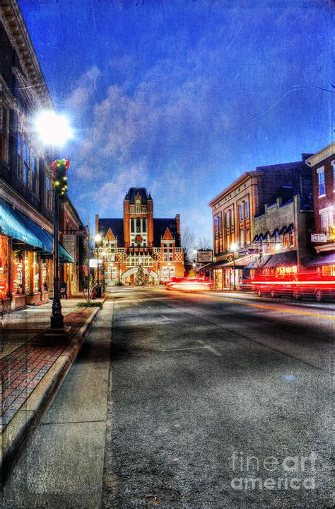 prettiest town in america most beautiful small town in america at christmas