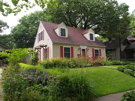 colonial cape cod house craving a summer cottage see 10 gorgeous cape cods for sale