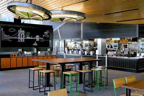 shake shack  store design  feed  millennial