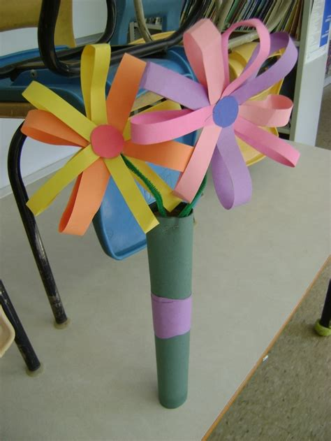 Construction Paper Crafts For - crafts for construction paper find craft ideas