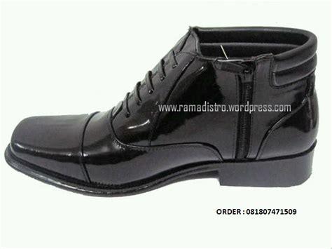 Sepatu Pdh Untuk Satpam sepatu pdh luks resleting kulit kilap tanpa semir army