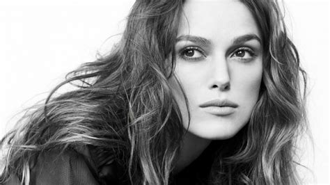 black and white wallpaper of actress keira knightley in black white wallpaper celebrities