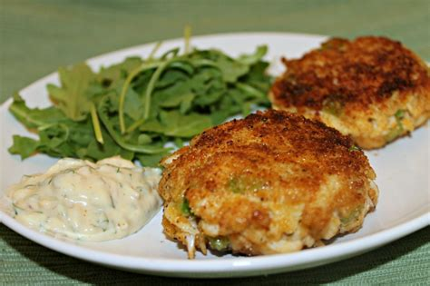easy crab cake recipe crab cakes with easy remoulade recipe dishmaps