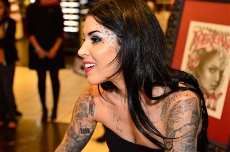 Girl Tattoo Artist Famous | famous latina tattoo artist design pictures fashion gallery