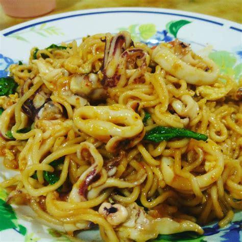 Bawang Goreng Amah Pack 2pc maggi goreng sotong menu iftar paling senang dan di sukai cahaya hayati