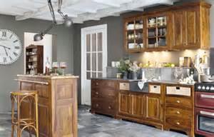 Bien Quelle Couleur Pour Une Cuisine Blanche #5: 04125556-photo-quelle-couleur-mettre-avec-des-meubles-rustiques-dans-une-cuisine.jpg