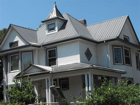 cross gable vs hipped roof fishers roofing contractors