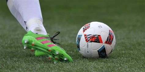 corse un joueur de football de 34 ans meurt en plein match
