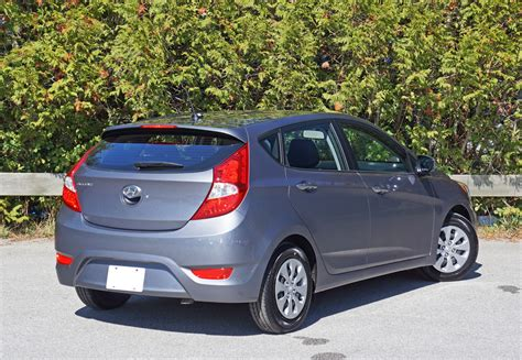 2016 hyundai accent hatchback gl auto road test review