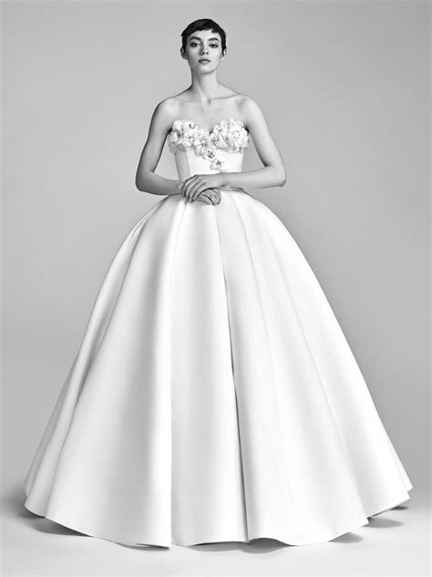Viktor Rolf Preview Wedding Themed Collection For Hm viktor rolf bridal 2018 collection tom lorenzo