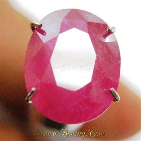 Batu Ruby Berserat jual batu permata ruby warna merah bentuk oval cut 4 18 carat