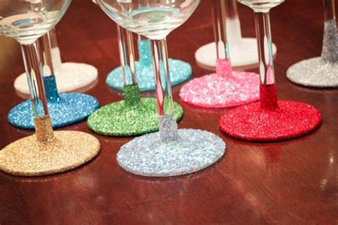 Decorating Glass With Glitter by 35 Budget Diy Decorations You Ll This Summer
