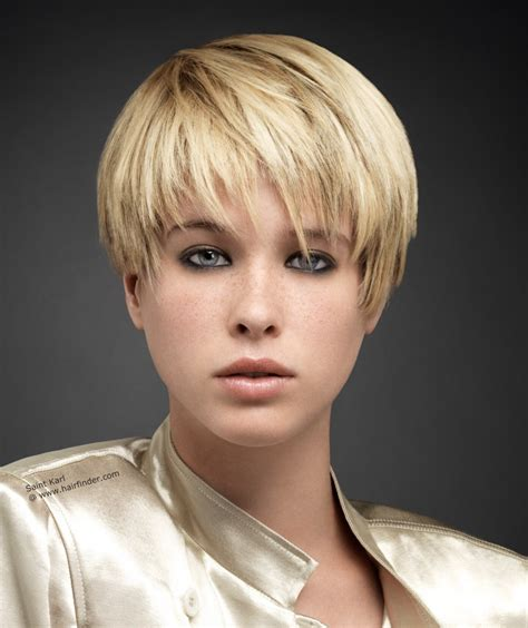 womens hair shaved just above ears coupe courte effil 233 e sur l ensemble de la chevelure avec