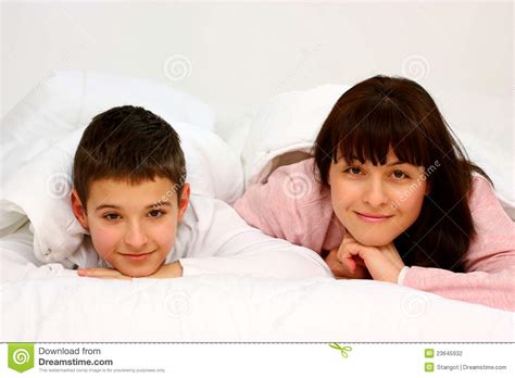 mom son bed mother and son stock photography image 23645932